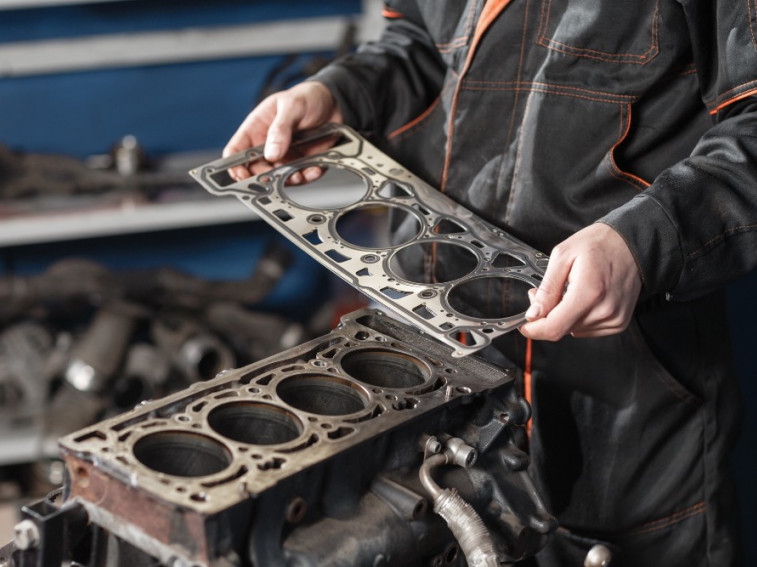 How to tell if your salvage car has a blown head gasket