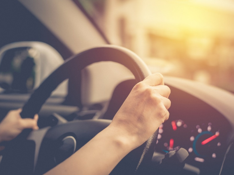 What causes stiff steering? (And how you can fix it!)