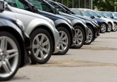 What is a no reserve car auction?