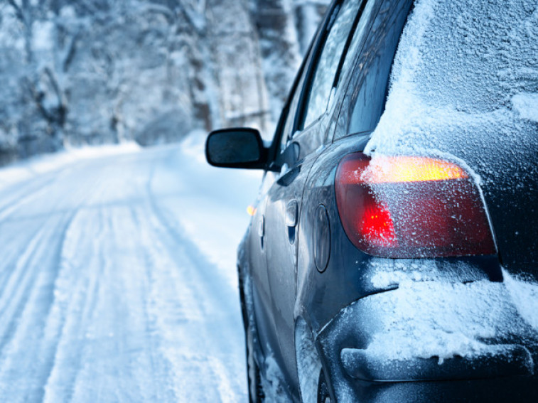 4 essential steps to properly storing your car in the winter