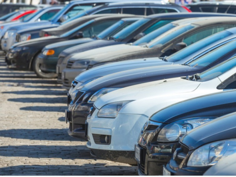What's the difference between a scrap car and a salvage car?