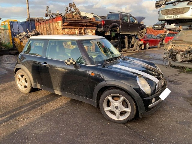 2001 MINI HATCH