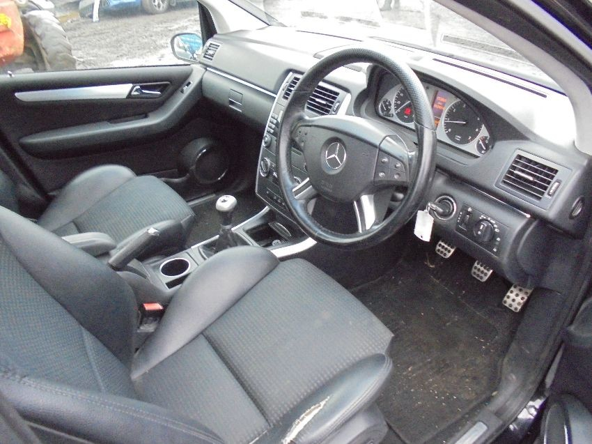 used 2006 mercedes b class for sale at online auction raw2k. Black Bedroom Furniture Sets. Home Design Ideas