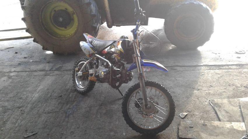 SMALL SIZED MOTORBIKE