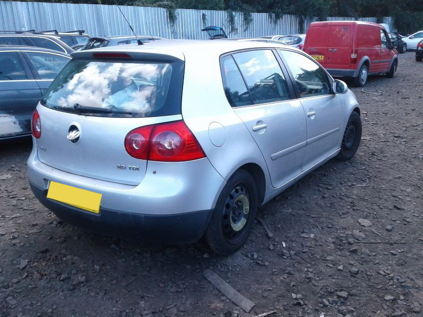 2005 VOLKSWAGEN GOLF
