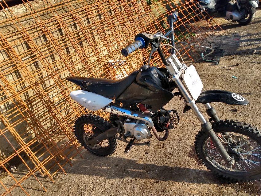 MOTORCYCLE PIT BIKE