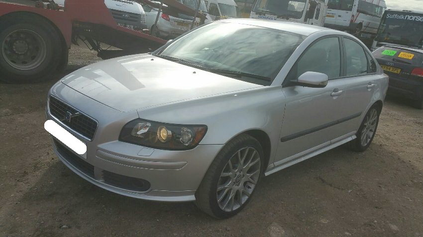 2005 VOLVO S40