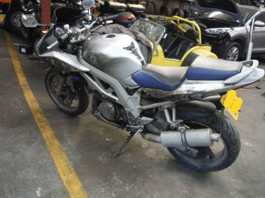 SUZUKI SV 1000 S 2003 1000 cm3   moto sportive   37 000 km