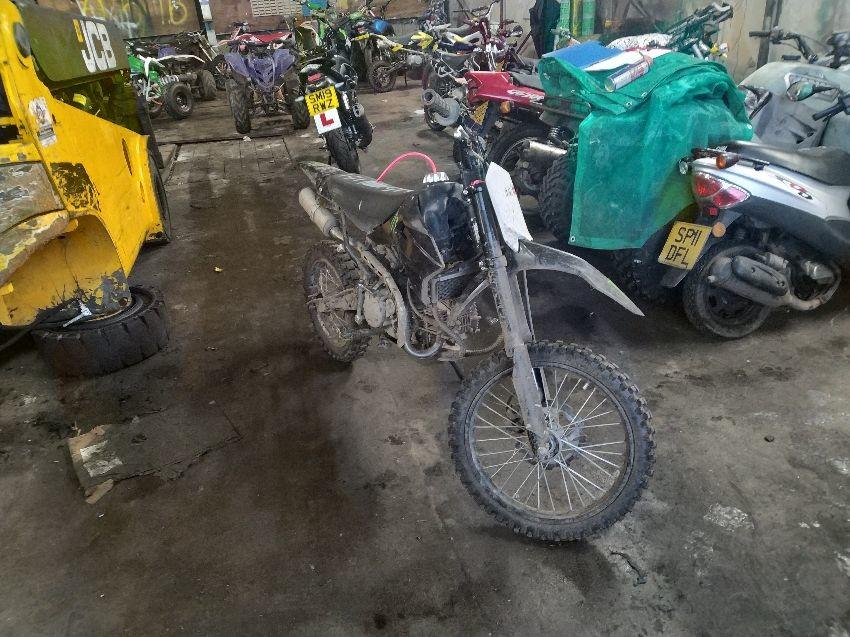 MOTORCYCLE / QUAD BIKE OFF ROAD DIRT BIKE