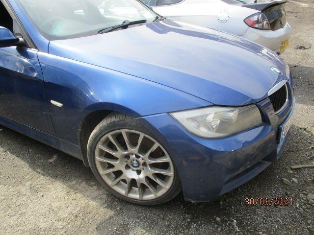 2006 BMW 320