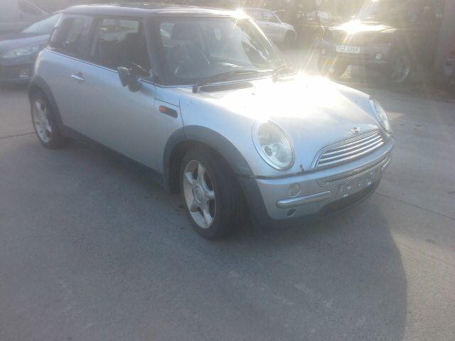 2002 MINI CAR